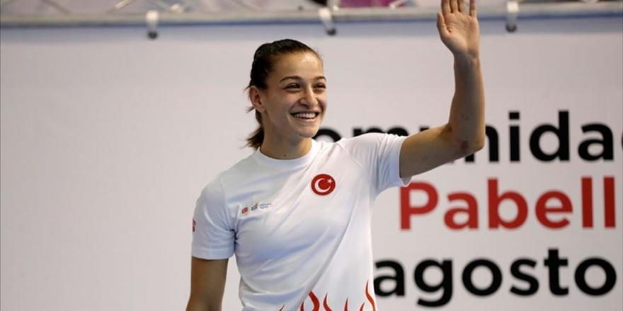Buse Naz Çakıroğlu Kadınlar Dünya Boks Şampiyonası'nda Finale Yükseldi