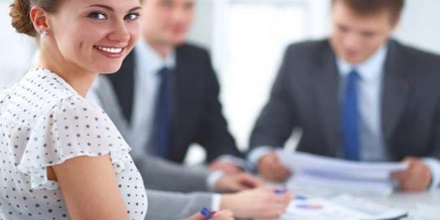 İş toplantılarında gülüşün önemine dikkat!