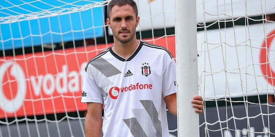 Beşiktaş'ın İspanyol Futbolcusu Victor Ruiz Sakatlandı