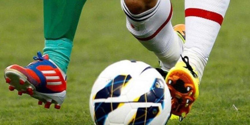 İran'da Barış Pınarı'nı destekleyen futbolcuya sahalardan men cezası