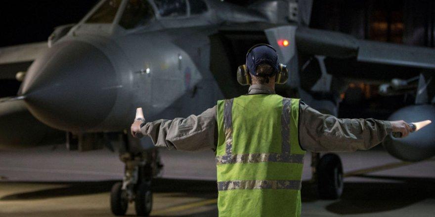 Reuters'a konuşan yetkili: ABD uçakları Türkiye destekli güçleri dağıtmak için güç gösterisi yaptı