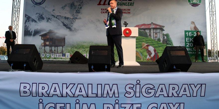 """Erdoğan """"Türk Milleti'nin başını daima dik tutacağız"""""""