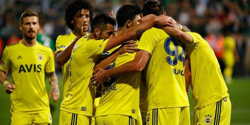 Süper Lig'in 8. Haftasında Fenerbahçe, Deplasmanda Yukatel Denizlispor'u 2-1 Yendi