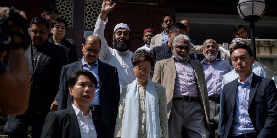 Zarar Gören Camiyi Ziyaret Edip Özür Dilediler