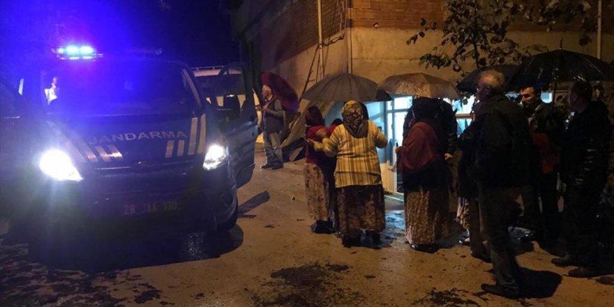 Giresun'daki Şiddetli Yağış Sonrası Yol Açma Çalışmaları tüm hızıyla Devam Ediyor
