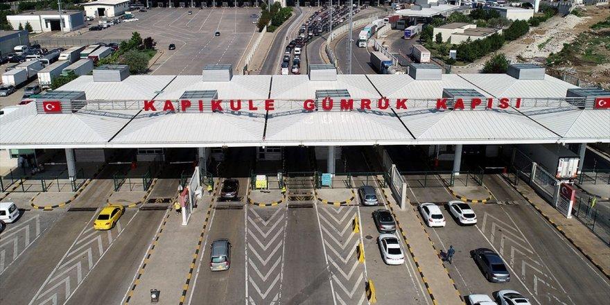 Kapıkule'den Günlük Araç Çıkış Sayısında Dev Rekor
