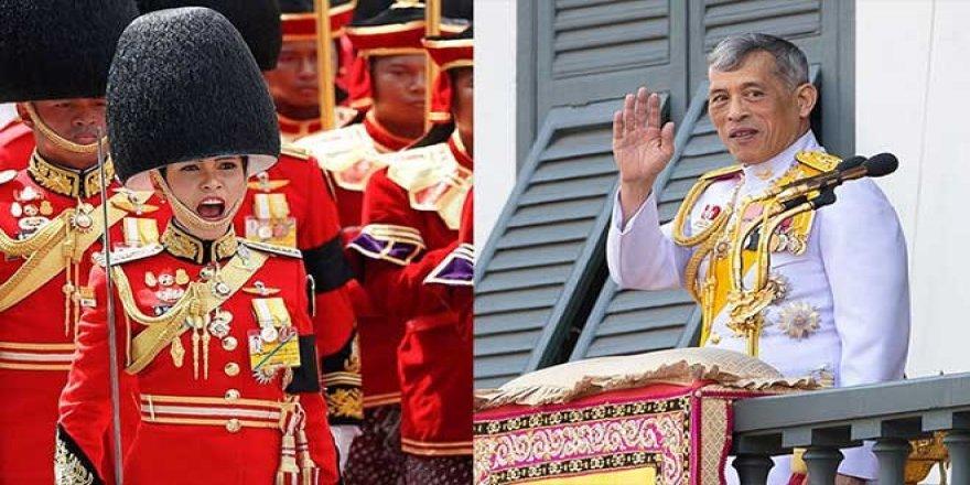 Tayland Kralı Maha, 'resmi metresinin' unvanlarını geri aldı