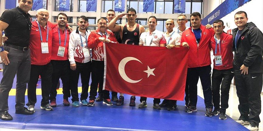 Milli Güreşçi Taha Akgül, Serbest Stil 125 Kiloda Altın Madalya Kazandı