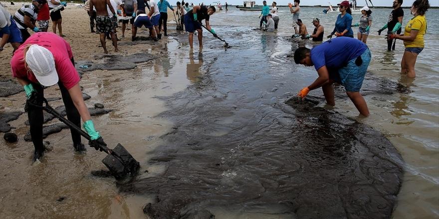 Brezilya Petrol Sızıntısını Temizlemek İçin 5 Bin Asker Daha Görevlendirecek