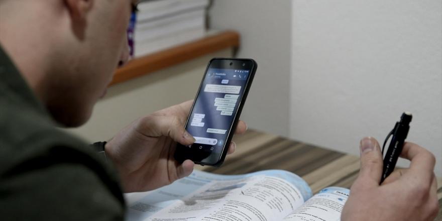 Sosyal Medyayı Kontrol Sıklığı İle Okul Başarısı Arasında İlişki Yok