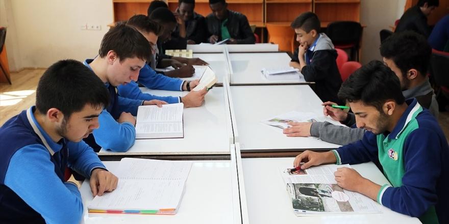 Tdv'den 42 Bini Aşkın Öğrenciye Eğitim Desteği