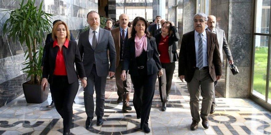 Meclis'e 31 yeni fezleke: 30'u HDP'liler için