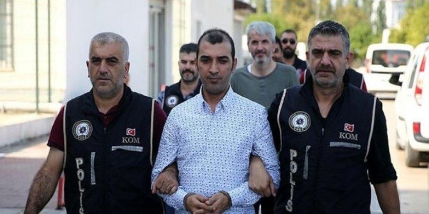 Türkiye'deki FETÖ'cülere para dağıtan örgütün kritik ismi yakalandı