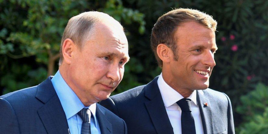 Kremlin: Putin Macron'a Soçi'deki Rus-Türk görüşmeleri hakkında bilgi verdi