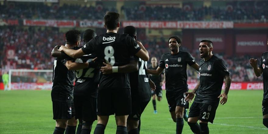 Beşiktaş Karabulutları Dağıttı