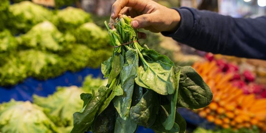 Uzmanlardan Yapraklı Sebzelerin Bilinçli Tüketimine İlişkin Uyarı