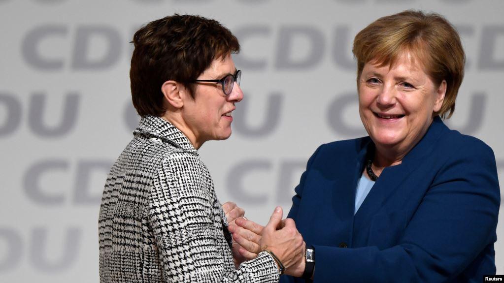Almanya'da Siyasi Tansiyon Yükseliyor
