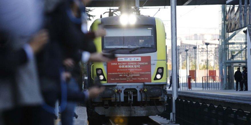 Marmaray için tarihi an: İpek Yolu treni Boğaz'dan geçti