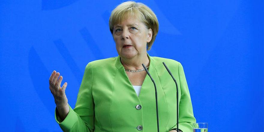 Türkiye'ye mali yardım önerisine Merkel'den yanıt