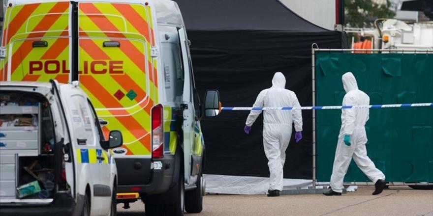 İngiltere'de Tırın Arkasında Ölü Bulunan 39 Kişiden İkisi 15 Yaşında