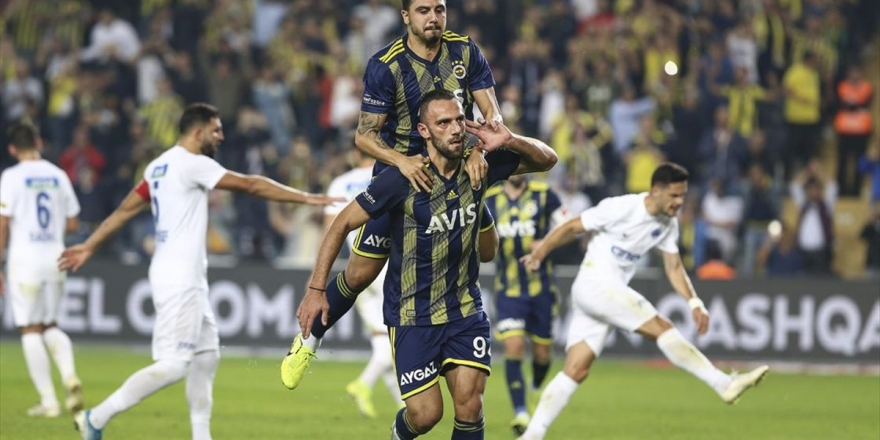 Fenerbahçe Maç Fazlasıyla Zirvede
