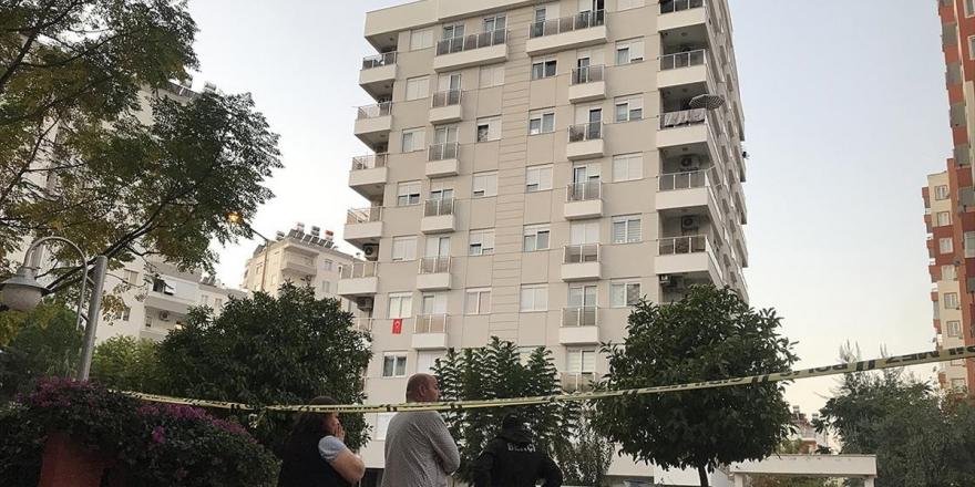Antalya'da Aynı Aileden İkisi Çocuk Dört Kişi Evlerinde Ölü Bulundu