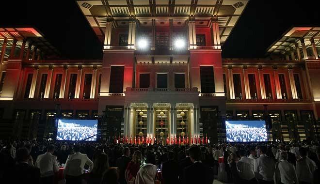 Saray'ın yeni danışmanlarına on binlerce lira huzur hakkı!