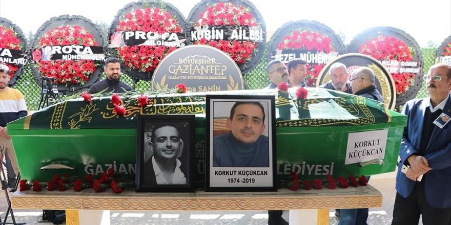 Gaziantep'te Çöken İskelenin Altında Kalarak Ölen Mühendisin Cenazesi Defnedildi