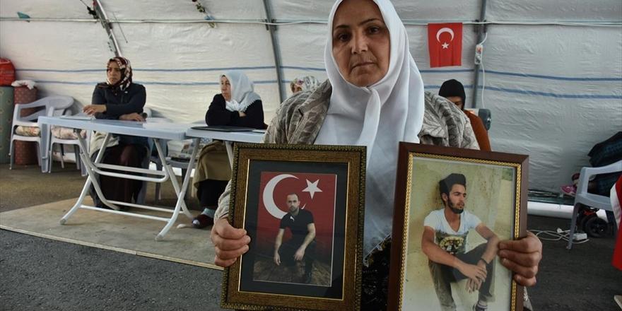 'Türk Bayrağı Altında Doğduk Türk Bayrağı Altında Da Öleceğiz'