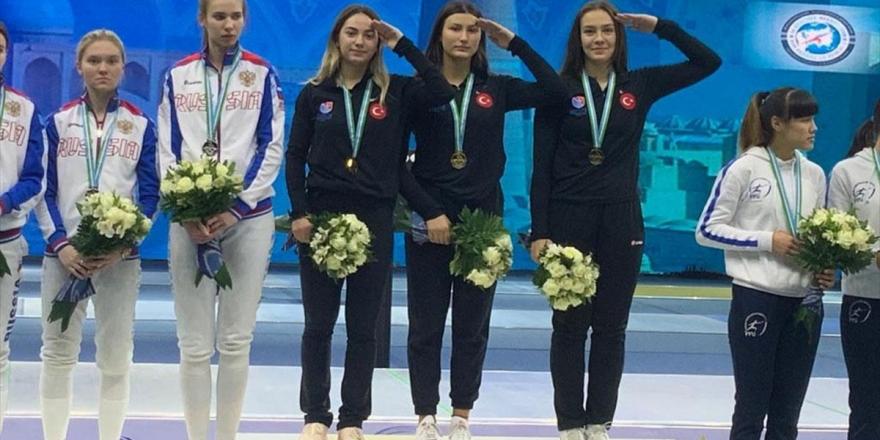 Genç Kızlar Kılıç Milli Takımı, Özbekistan'daki Dünya Kupası'nda Altın Madalya Kazandı