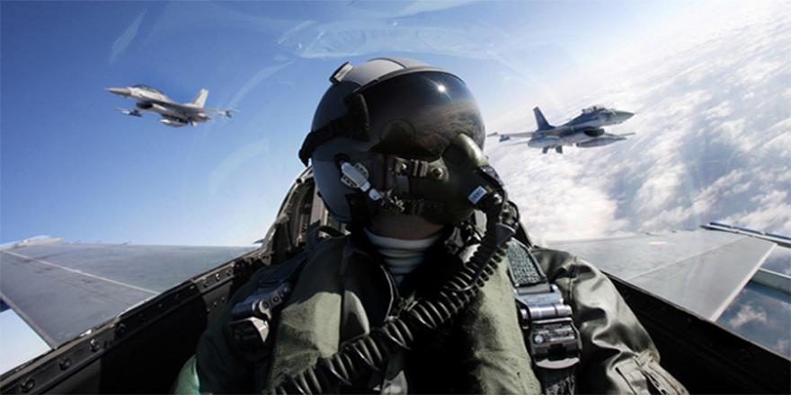 Emekli pilotlar, 'harbe hazırlık eğitimi'ne çağırıldı