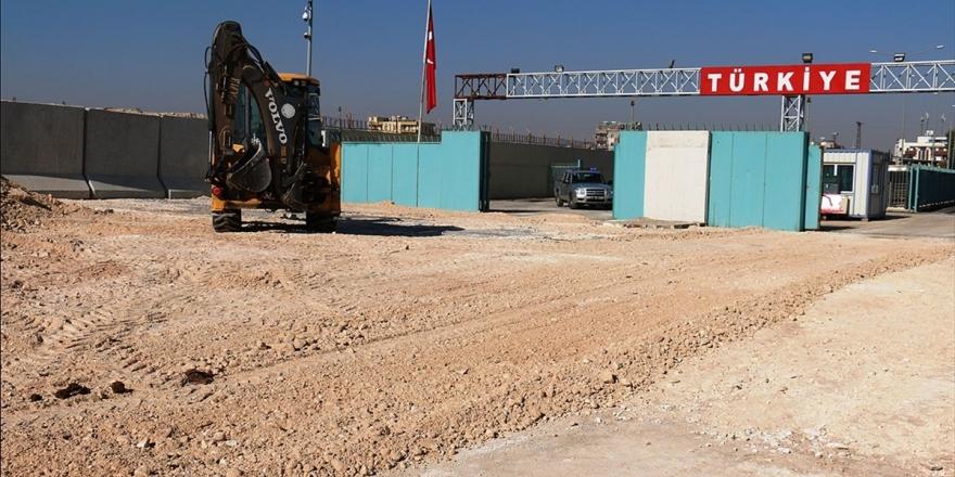 'Tel Abyad Sınır Kapısı Suriye İle Türkiye Arasında Gönül Köprüsü Olacak'