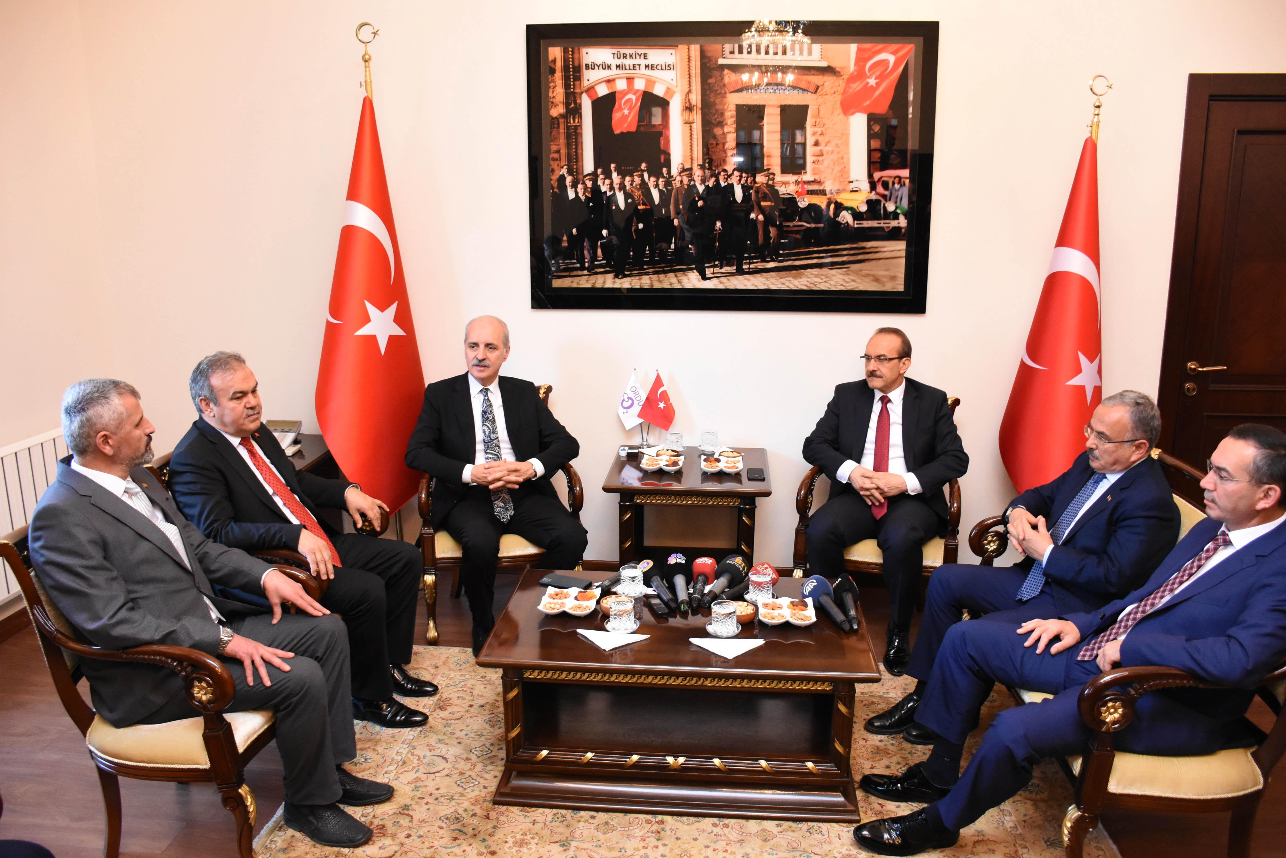 """Kurtulmuş """"Erken seçim Türkiye'nin gündeminde değildir"""""""