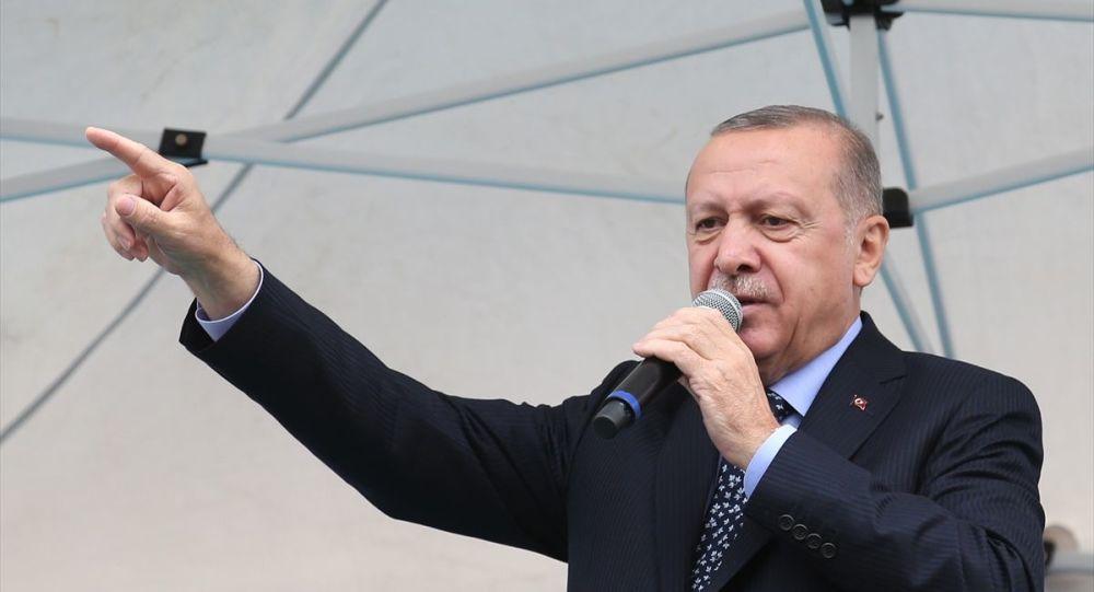Erdoğan'dan kadına şiddete karşı mesaj: Bu ayıbı el birliğiyle ülkemizden tamamen sileceğiz