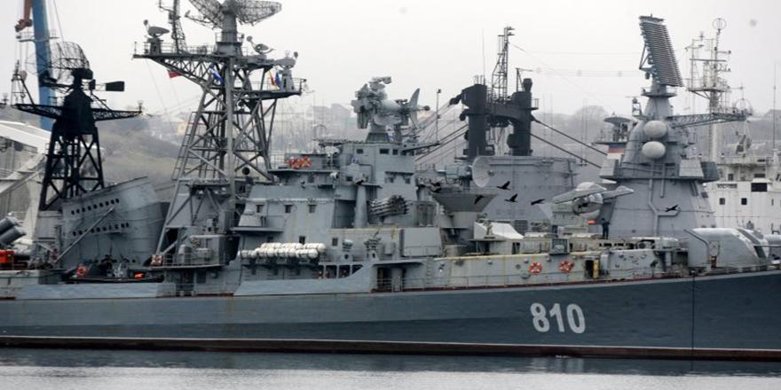 Rus savaş gemileri Boğazı geçti, Akdeniz'e açıldı