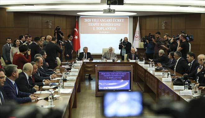Bakan Selçuk'tan asgari ücret açıklaması: 'Öncelik istihdamı korumak ve artırmak olmalı'