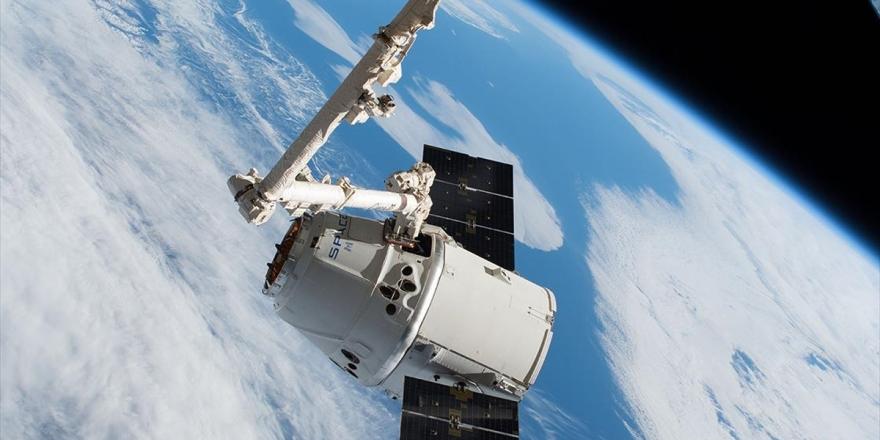 Spacex'in 'Süper Fare'li Kargosu Uluslararası Uzay İstasyonuna Ulaştı