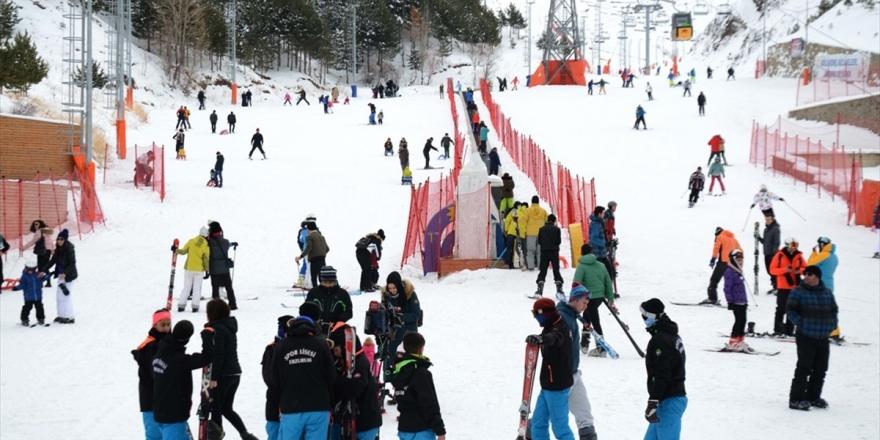 Kayakseverler Palandöken'de Yoğunluk Oluşturdu