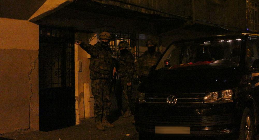 İstanbul'da uyuşturucu satıcılarına operasyon: 103 gözaltı