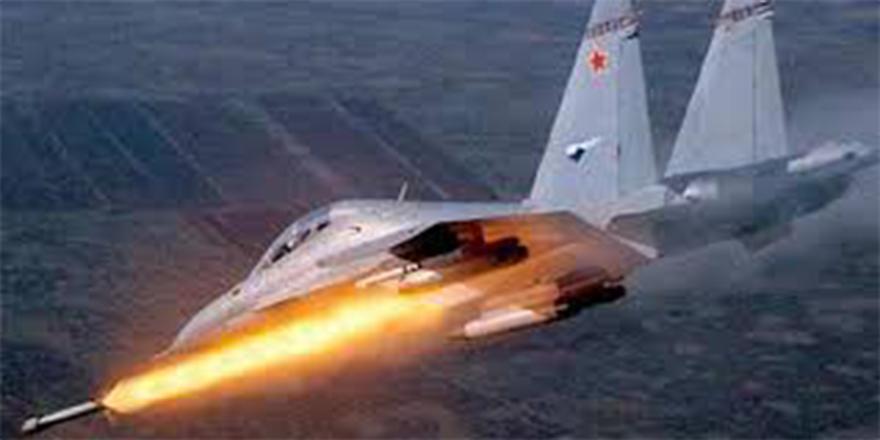 Rus savaş uçakları İdlib'i vurmaya başladı