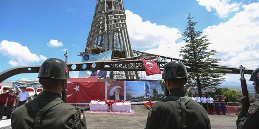 Demirel'e, Anıtkabir'den sonra ikinci büyük anıt mezar inşa ediliyor