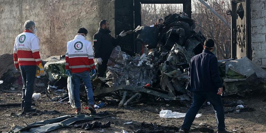 İran Ukrayna Uçağının İki Füzeyle Vurulduğunu Doğruladı