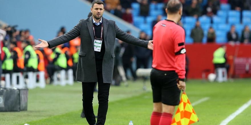 Trabzonspor, Teknik Direktör Hüseyin Çimşir'le 1,5 Yıllık Sözleşme İmzaladı