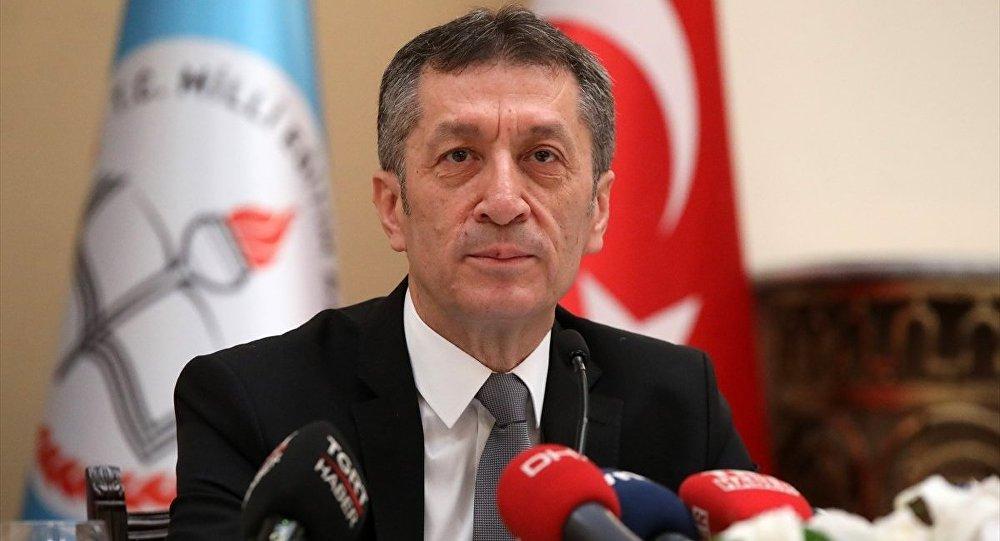 'Milli Eğitim Bakanı Selçuk için 'İstifası cebinde dolaşıyor' söylentileri var'