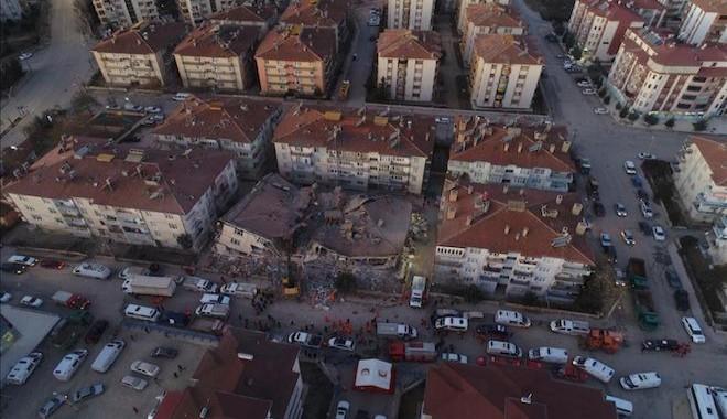 Depremde ağır hasarlı ve yıkılacak evler için 41 bin lira yardım yapılacak