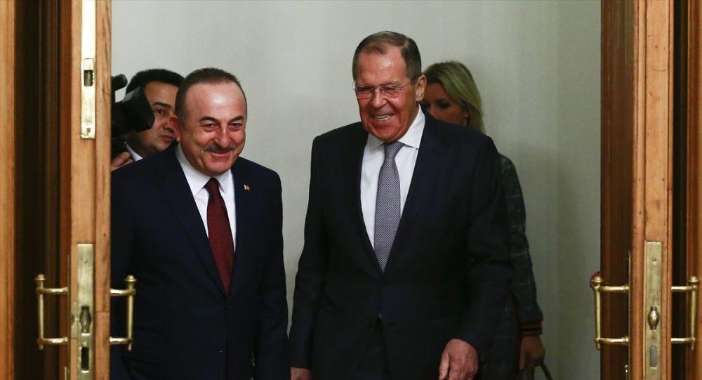 Rusya Dışişleri: Lavrov ve Çavuşoğlu, Suriye'deki barışçıl çözüm sürecini görüştü