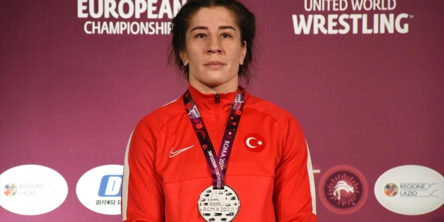 Milli Güreşçi Yasemin Adar Avrupa İkincisi Oldu