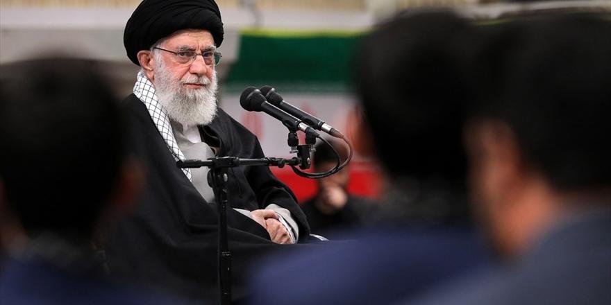 İran Lideri Hamaney: İran'ı Seven Herkes Seçimlere Katılsın