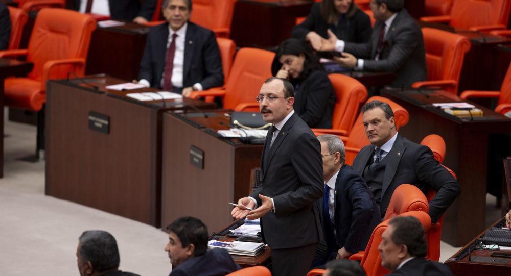 AK Partili Muş Gezi'ye 'Vandalizm' dedi, Meclis'te tartışma çıktı