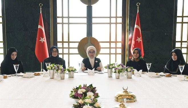 Emine Erdoğan'dan kadınlara: İsraftan kaçının